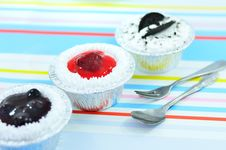 Free Cup Cake Stock Photo - 27381300