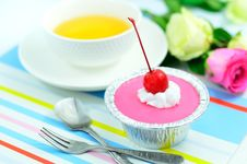Free Red Cherry Cup Cake Stock Image - 27381311