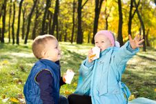 Free Children Enjoying A Refreshing Drink Stock Images - 27382634