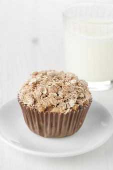 Free Apple Muffins With Shtreyzel Stock Images - 27398484