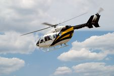Free Flying Helicopter Royalty Free Stock Image - 2744596