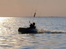 Free Silhouettes Kitesurf On A Gulf Stock Images - 2746174