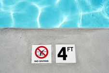 Free Swimming Pool Depth Marker Stock Images - 2747234