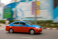 Free Fast Taxi In City Traffic Royalty Free Stock Image - 2749156