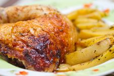 Free Chicken Leg With Potatos Royalty Free Stock Photography - 27406547