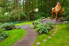 Free Wooden Garden Gazebo Stock Photography - 27409422