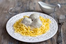 Free Meatballs With Tagliatelli And White Sauce Royalty Free Stock Photography - 27410687