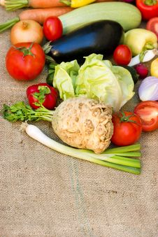 Free Organic Vegetables Stock Photo - 27428740
