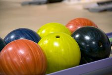Free Bowling Balls Stock Images - 27433484