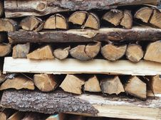 Free Stack Of Firewood Stock Photography - 27441122