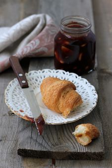 Free Croissant With Jam For Breakfast Royalty Free Stock Photos - 27445668