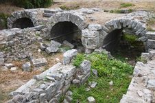 Free Roman Bridges In Solin Royalty Free Stock Photos - 27446618