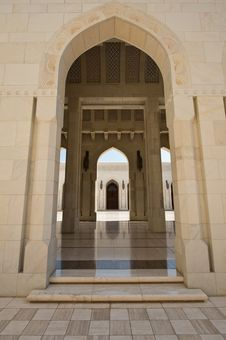 Free Sultan Qaboos Mosque Royalty Free Stock Images - 27472299
