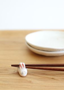 Free Chopsticks Royalty Free Stock Photos - 27489288