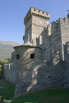 Free Walls Of Castle Stock Photography - 27490672