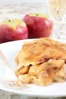 Free Apple Pie Royalty Free Stock Photo - 27496635