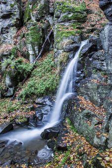 Free Waterfall Stock Image - 27497321