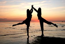 Free Dancing Girls Stock Image - 2756001