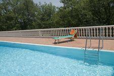 Free Luxury Swimmingpool Royalty Free Stock Photography - 2756357