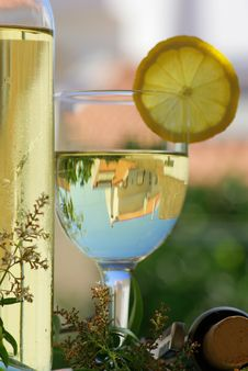 Free White Wine Royalty Free Stock Image - 2756756
