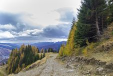 Free Autumn In Mountain Road Royalty Free Stock Photography - 27511997