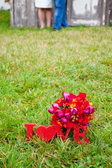 Free Red Love & Bouquet Royalty Free Stock Photo - 27516585
