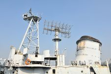 Free The Destroyer Fire Control Radar Stock Images - 27527554
