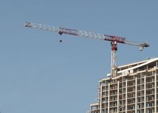 Free Construction Climbing Crane And Building. Royalty Free Stock Photography - 27537477