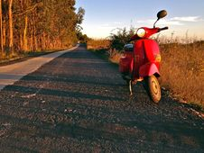 Free Scooter On The Road Royalty Free Stock Images - 27539189