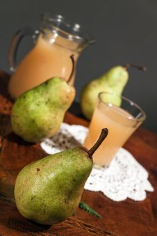 Free Pear Juice Royalty Free Stock Photography - 27542457
