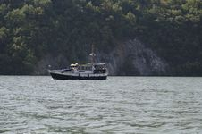 Free Danube Boat Royalty Free Stock Photos - 27543608