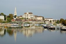 Free Bank Of The River Yonne To Auxerre &x28;Burgundy&x29; Stock Photography - 27547492
