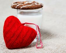 Free Milk, Cookie And A Red Heart Stock Photo - 27564300