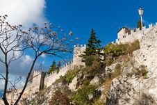 Free Castle In San Marino Royalty Free Stock Photography - 27571837