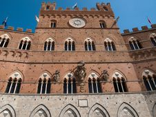 Free Siena-Italy Royalty Free Stock Photo - 27572175