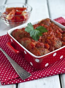 Free Meatballs With Tomato Sauce Stock Photography - 27585462