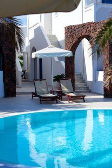 Free Swimming Pool Royalty Free Stock Image - 27587226