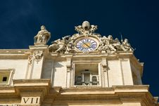 Free Clock On The Top Of St. Peter Basilica Stock Photography - 27595162