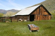 Free Rustic, Old, Abandoned Barn Stock Photos - 2762323