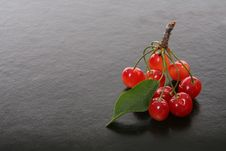 Free Cherries Royalty Free Stock Photography - 2763897