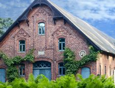 Free Old House Stock Photography - 2764962