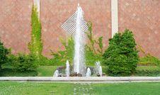 Free Fountain Royalty Free Stock Image - 2767056
