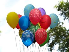Free Flying Colorfull Balloons Over Blue Sky Stock Photos - 27603913