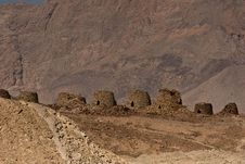 Free The Beehve Tombs At Jabal Misht, Sultanate Of Oman Royalty Free Stock Photos - 27604438