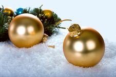 Free Golden Christmas Balls With Branch Christmas Tree Royalty Free Stock Photography - 27618967