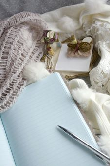 Free Note Book Blank Page Royalty Free Stock Photos - 27622538