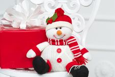 Free Smiling Decorative Snowman Stock Images - 27638524