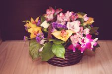 Free Wedding Basket Of Flowers Stock Image - 27639601