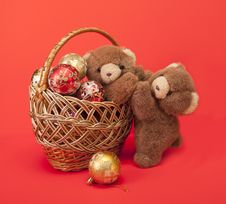 Free Teddy Bears And A Basket With Christmas Toys. Stock Photography - 27639992