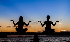 Silhouette Of Beautiful Yoga Woman Royalty Free Stock Images